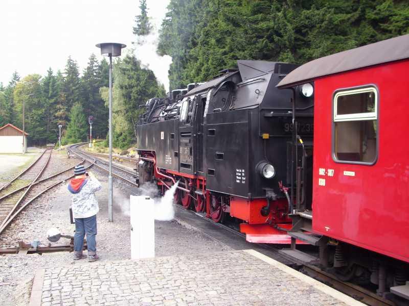 Brockenbahn in Drei Annen Hohne - Abfahrt Bahnhof Brocken