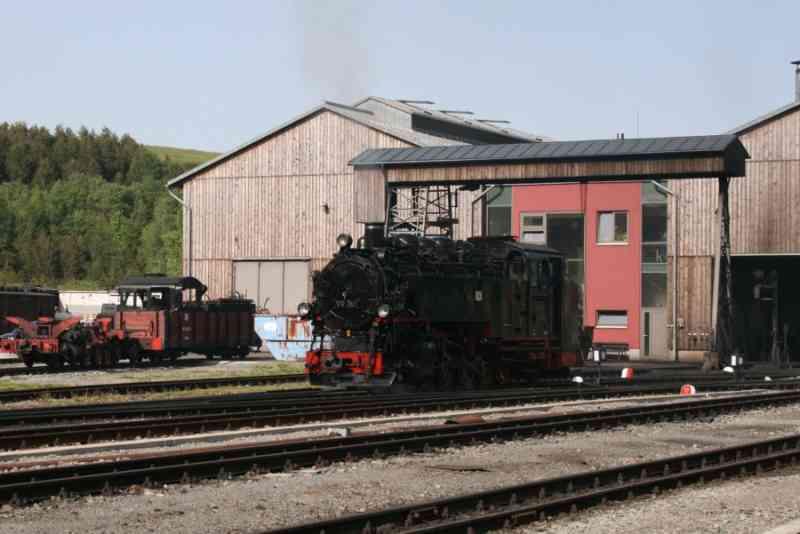 Fichtelbergbahn Bahnhof Oberwiesenthal Dampflok am Lokschuppen