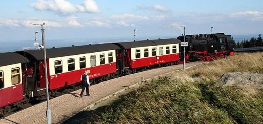 Brockenbahn der Harzer Schmalspurbahnen (HSB) am Bahnhof Brocken
