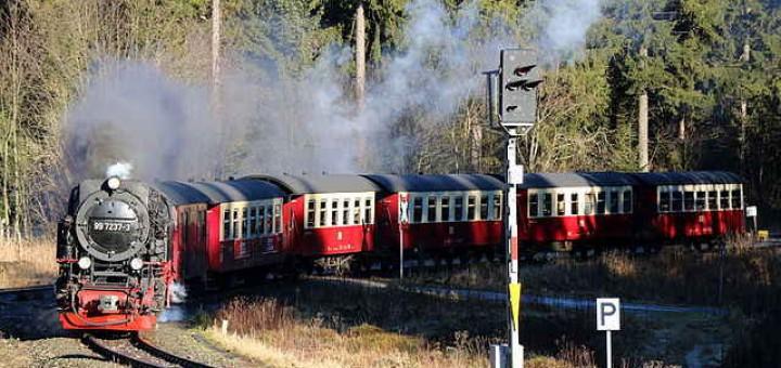 Harzquerbahn bei der Ausfahrt aus Drei Annen Hohne