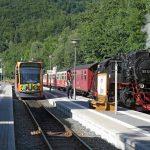 Harzquerbahn: Zugkreuzung im Bahnhof Illfeld