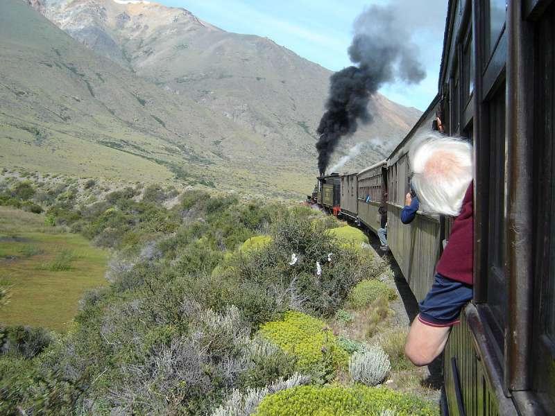 Patagonien-Express La Trochita Argentinien - in voller Fahrt