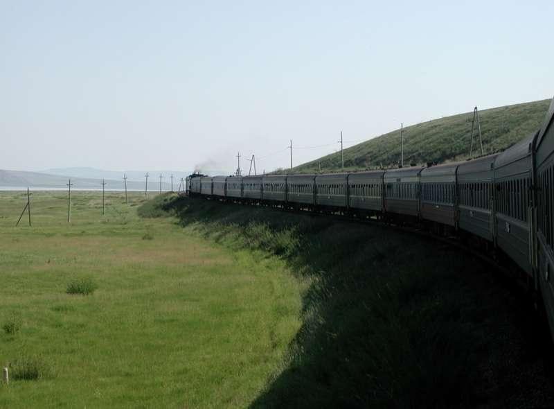 Transsibirische Eisenbahn in der Steppe
