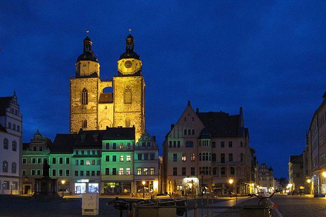 Lutherstadt Wittenberg - Stadtkirche bei Nacht