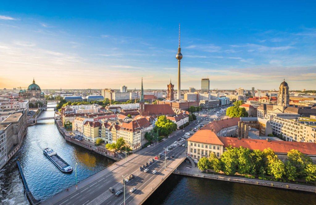 Stadtereise Berlin Bahn Hotel Ab 66 Anbieter Vergleich