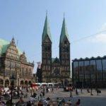 Bahn und Hotel Bremen - Rathaus und Dom Bremen