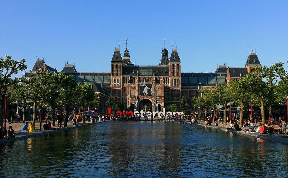 Bahn und Hotel Amsterdam - Rijksmuseum
