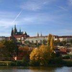Prag - Panorama mit Moldau und Hradschin
