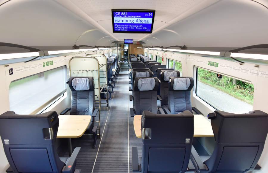 Bahn 1. Klasse im ICE - Innenraum